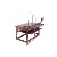 Guillotines and shears for cardboard